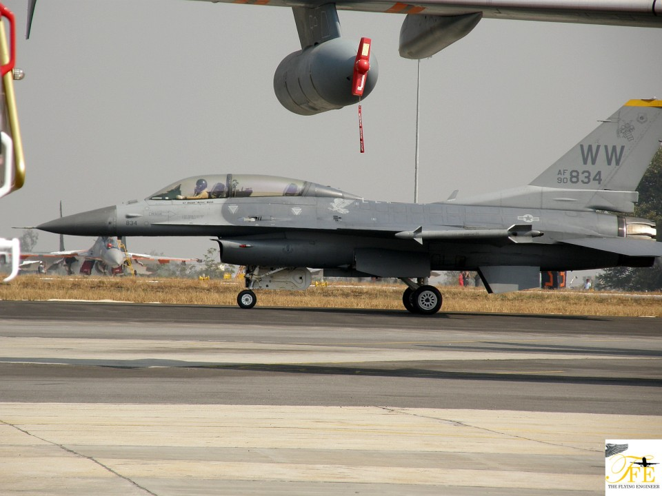 F-16 taxiing to its stand.